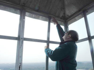 Bob galvanizing windows (2)